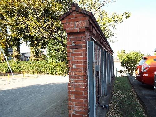 やままさ醤油醸造所レンガ塀 (10).jpg